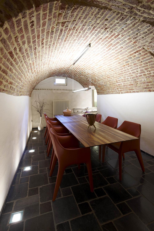 Dr willems herenhuis put interieur - Moderne wijnkelder ...